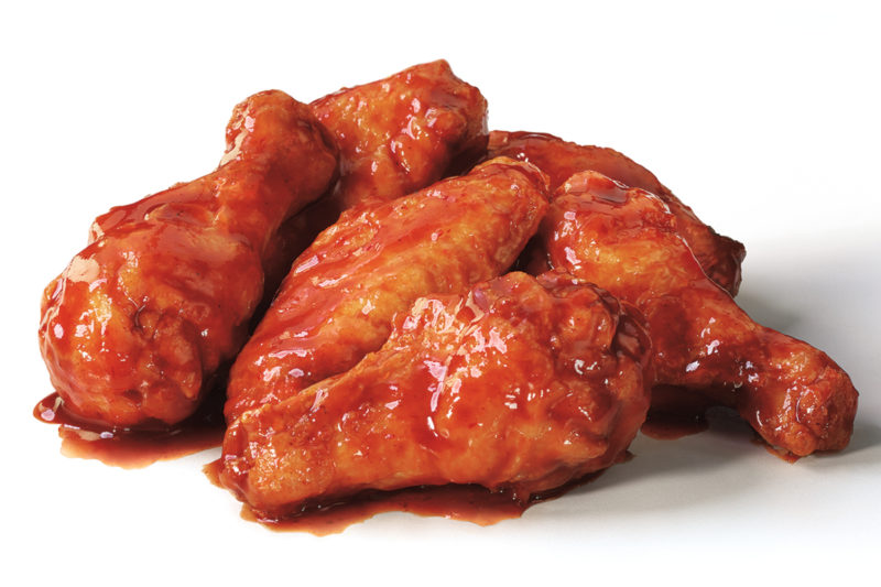 Pizza Hut is heating up its menu with new Smoky Sriracha Wings. The fried chicken wings are tossed in a blend of red jalapeño chili puree, garlic and a touch of vinegar. The wings are available in boneless or traditional formats for a limited time.