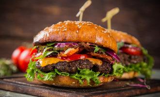 Burger-adobestock