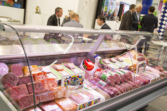 4industrynews-meat-case-anuga_smaller