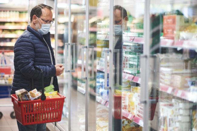 masked man shopping