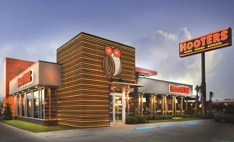 Hooters-restaurant