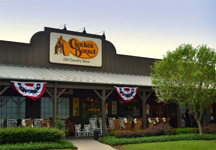 Cracker Barrel tops 4Q profit forecasts