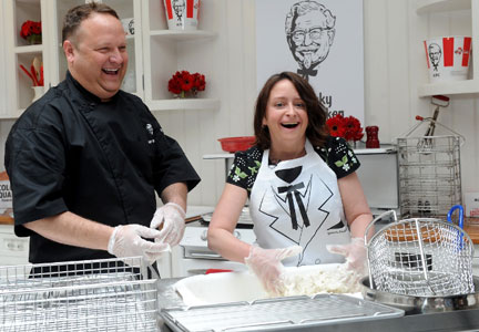 KFC US head chef, Bob Das teaches actress and Saturday Night Live comedienne, Rachel Dratch, how to make KFC Original Recipe fried chicken.