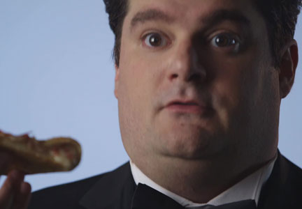 Actor and Saturday Night Live comedian Bobby Moynihan will star in ads promoting Pizza Hut's new Bacon Stuffed Crust Pizza.