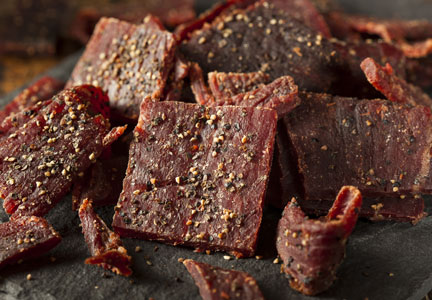 photo of cracked pepper beef jerky pieces